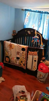 Solid wood big crib  with mattress & Bedding