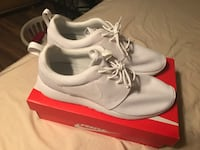 Men's Nike Roshe's NEW