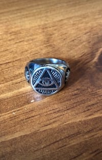 silver and black signet ring Cambridge, N1R 1H3