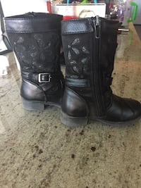 Pair of black leather boots Las Vegas, 89135