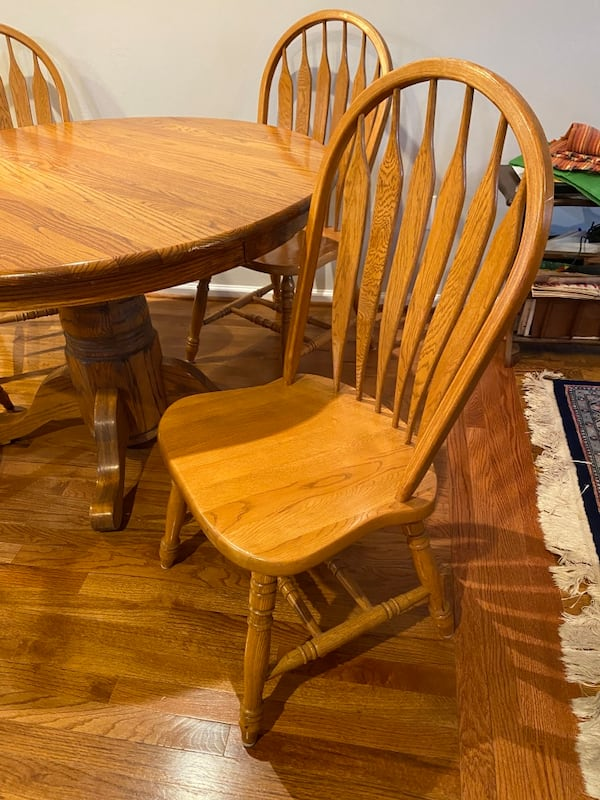 Oak Kitchen Table and Chairs 52ddb91b-5a06-40ab-88a8-5b2081c83113