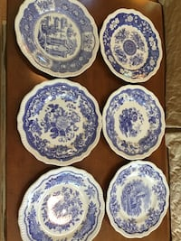 white and blue floral ceramic dinnerware set Kings Park, 11754