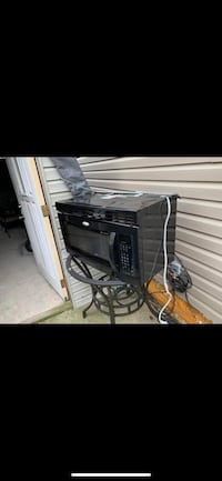 Whirlpool microwave over the range in excellent works conditions Shakopee, 55379