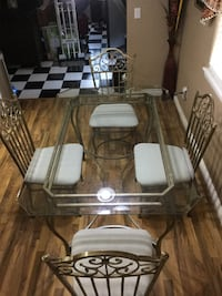 Dining room glass table with 4 chairs Hesperia, 92345