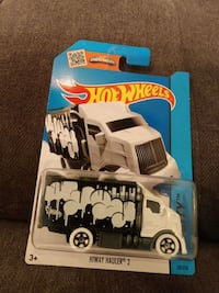 Hiway Hauler 2 HotWheels Car 28/250 Charleston, 29414