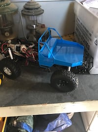 Rc4wd parts bodies, beds, lights, winches  Visalia, 93277