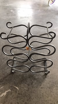 Wine rack brand new  Loyalist, K0H