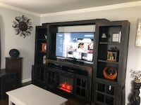 Entertainment center w/matching end tables and coffee table