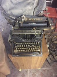 Black underwood type writer