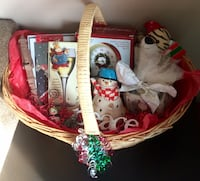 Christmas Gift Basket! See Pics and Description for All that's Included!  Hanover Park, 60133