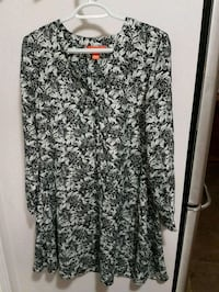 women's black and white floral dress Calgary, T2Y 4Z5