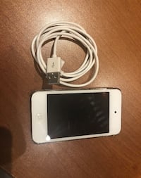 iPod Touch 4th Gen for sale 8 gigs Mississauga, L5R 2Z8