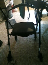 Nice walker in great condition.. barely used Rocky Point, 28457