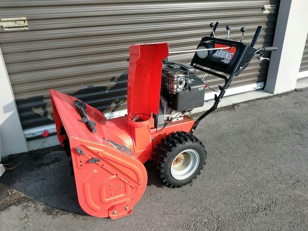 Ariens 28 in 1332LE Deluxe Snow Blower