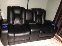 Black leather power love seat recliner with consoles 1482 mi