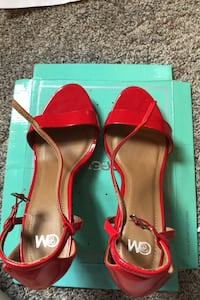 Size 12M womens red heels Marcus Hook, 19061