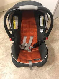 Grace Fast action click connect Infant car Seat and base Woburn, 01801