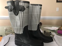 black and white rain boots Greenville, 28590