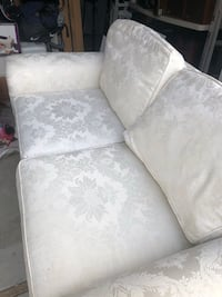 white and gray floral fabric sofa Stanwood, 98292