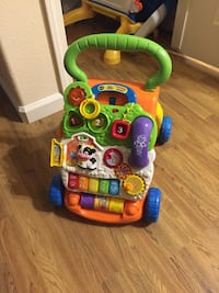 baby's green and multicolored V-tech activity walker Fresno, 93722