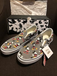 New Disney Mickey Mouse Vans  Midway City, 92655