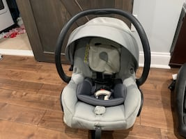 Maxi Cosi Mico Carseat and bases