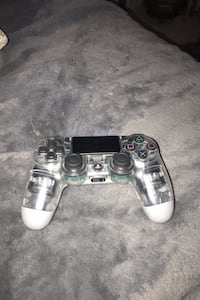 ps4 Remote !  New York, 10457