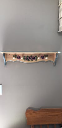 Floral Wall rack with hooks