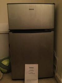 gray and black top-mount refrigerator Centreville, 20120
