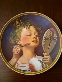 round white and brown ceramic decorative plate St. Catharines, L2M 4G1