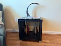 Side table in Excellent Condition Woodbridge, 22191