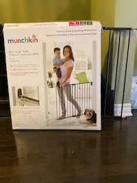 Munchkin safety gate for babies Vaughan, L4H 0K2