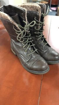 Women's fall boots size 7.5 Laval, H7K 3M1