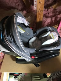 baby's black and gray car seat carrier Miami, 33196