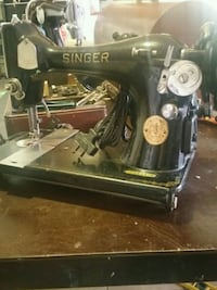 SINGER Antique sewing machine Phoenix, 85031