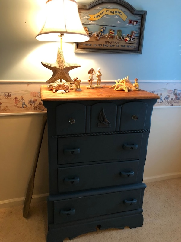 Chest of drawers (nautical themed)