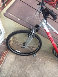 Mountain bike, very good condition, barely used