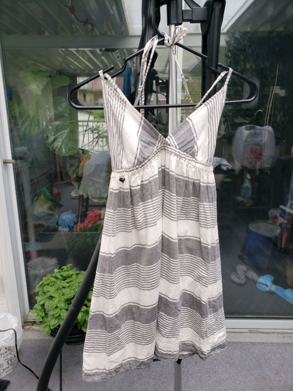 Roxy summer halter dress - small 24621cb2-0af0-43e9-85f3-3d0887126cb0