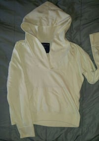 Cream colored American eagle hooded sweatshirt  Hagerstown