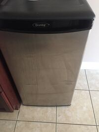 black and gray Frigidaire dishwasher Mississauga, L5R 0C7
