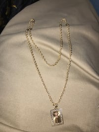 Gold necklace with crucifix  526 km