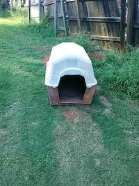 white and brown pet house Greenville, 29609