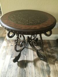 2 accent tables Henderson, 89011