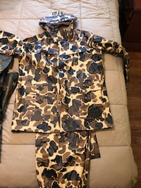 Columbia Camo Rain Jacket and Pants  Mt Airy, 21771