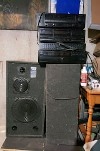 kenwood 4 piece stereo system with speakers and su Niagara Falls, L2E 5W8