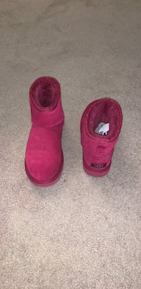 Womens Ugg Boots Size 7 Indianapolis, 46268