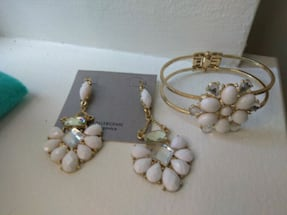Beautiful matching Earrings and bracelet