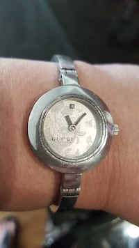 """100% AUTHENTIC """"GUCCi WATCH"""" Swiss Made."""