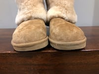 Pair of brown ugg bailey button boots Vaughan, L4H 0R7