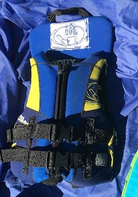 Bodyglove Lifejacket - Youth size